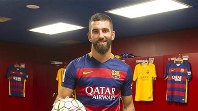 «Барселона» заявила Турана и Видаля