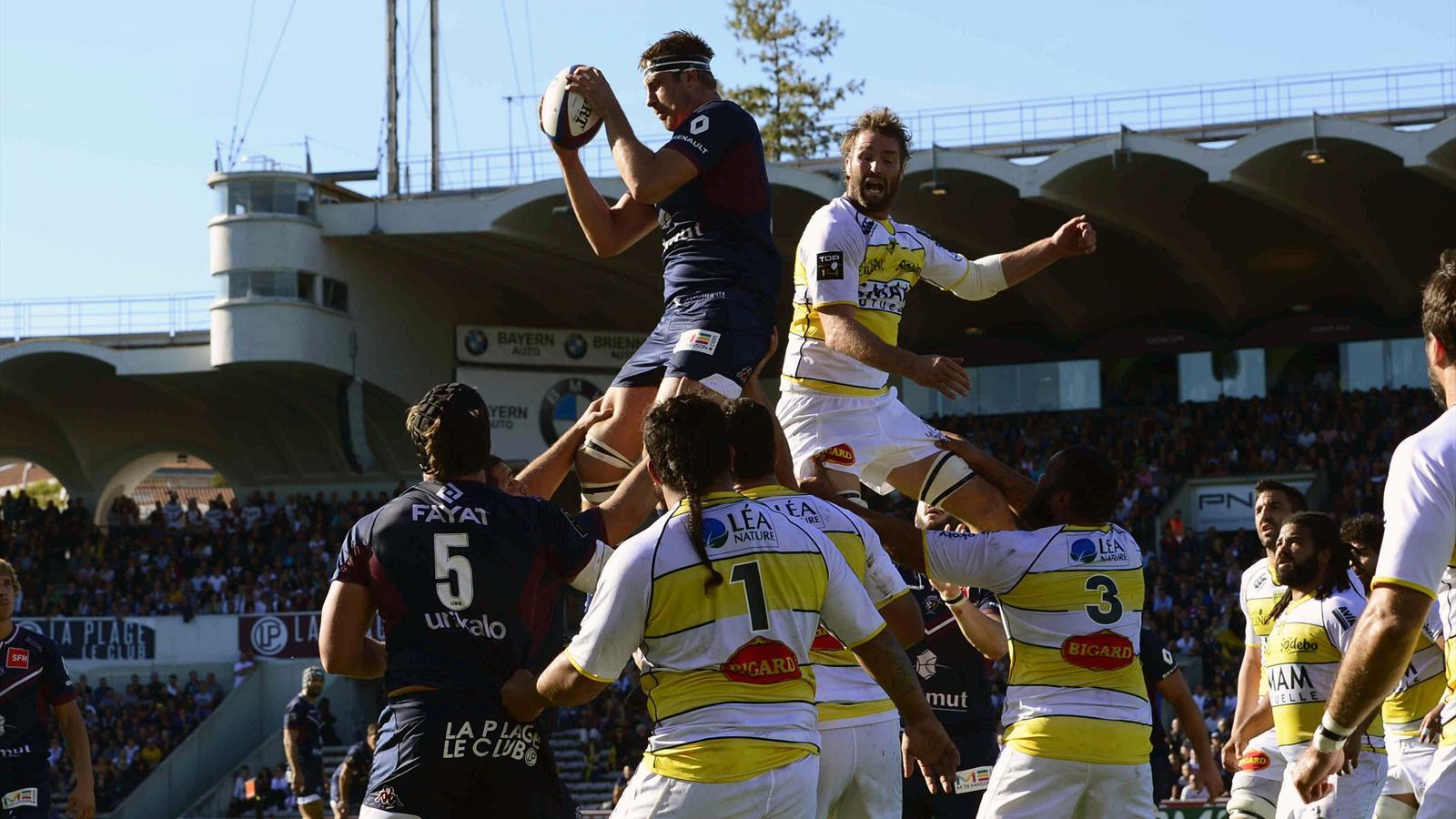 Julien Le Devedec (UBB) prend la balle en touche face à La Rochelle -
