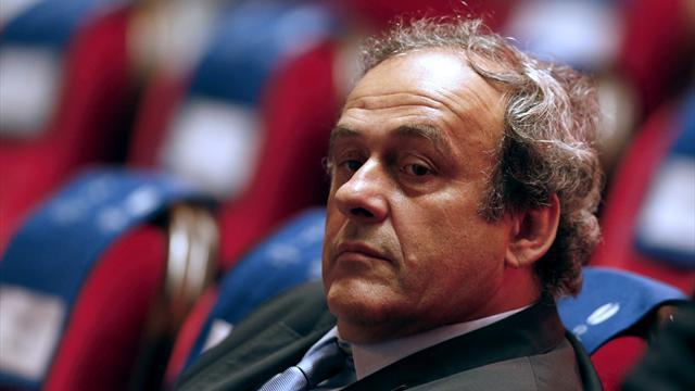 Platini retire sa candidature à la présidence de la FIFA