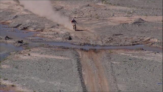 KTM réalise aussi le triplé d'une étape difficile : le résumé de la 5e étape moto