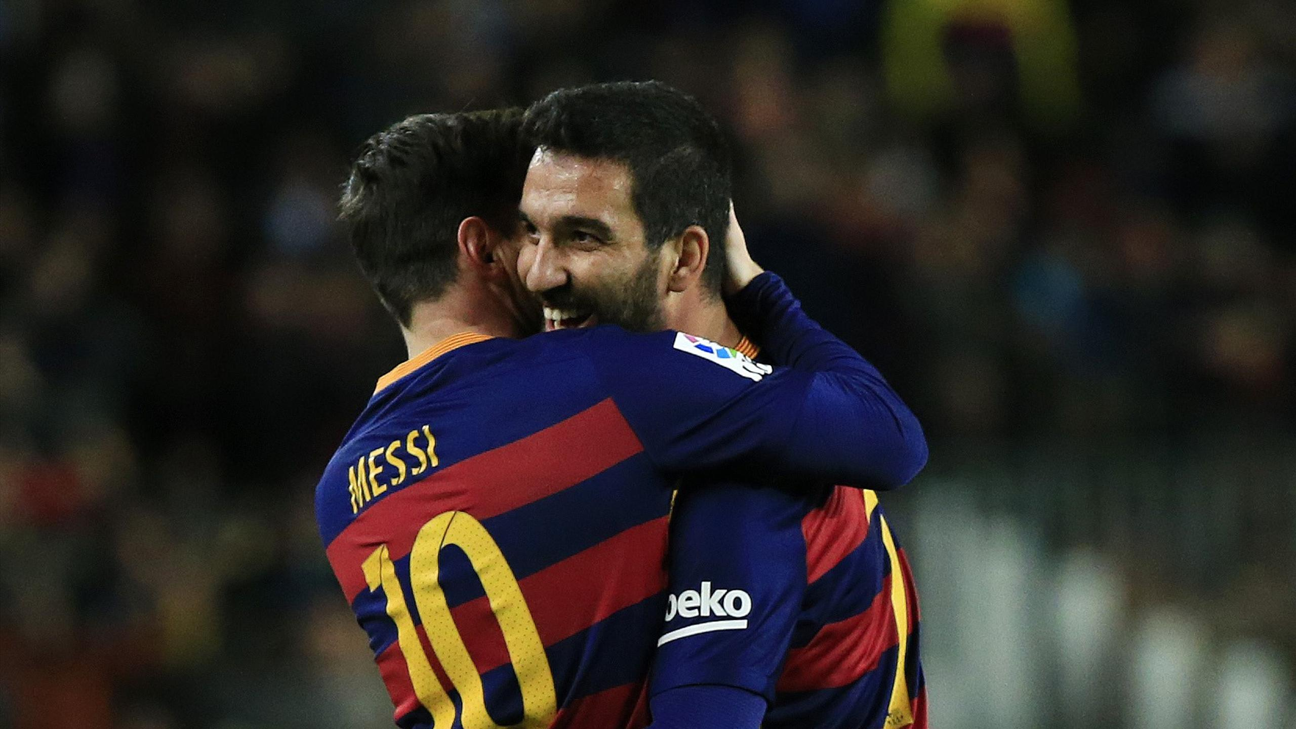 Arda Turan, Lionel Messi