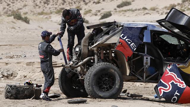 Un accident, plusieurs tonneaux et Loeb peut dire adieu à la victoire
