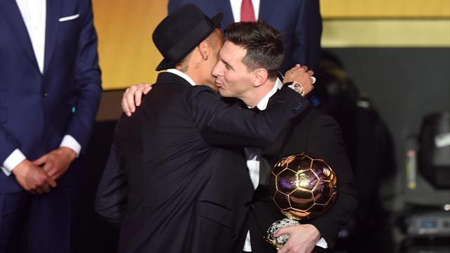 Messi est seul au sommet… mais il n'oublie pas ceux qui lui ont permis d'y grimper