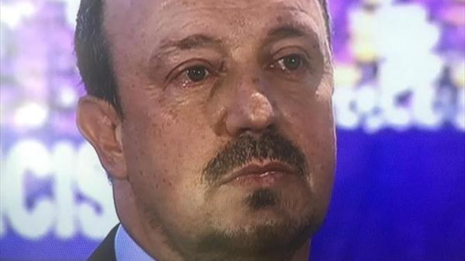 Бенитес плачет