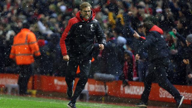 Рок-опера. «Ливерпуль» и «Арсенал» устроили опен-эйр под проливным дождем