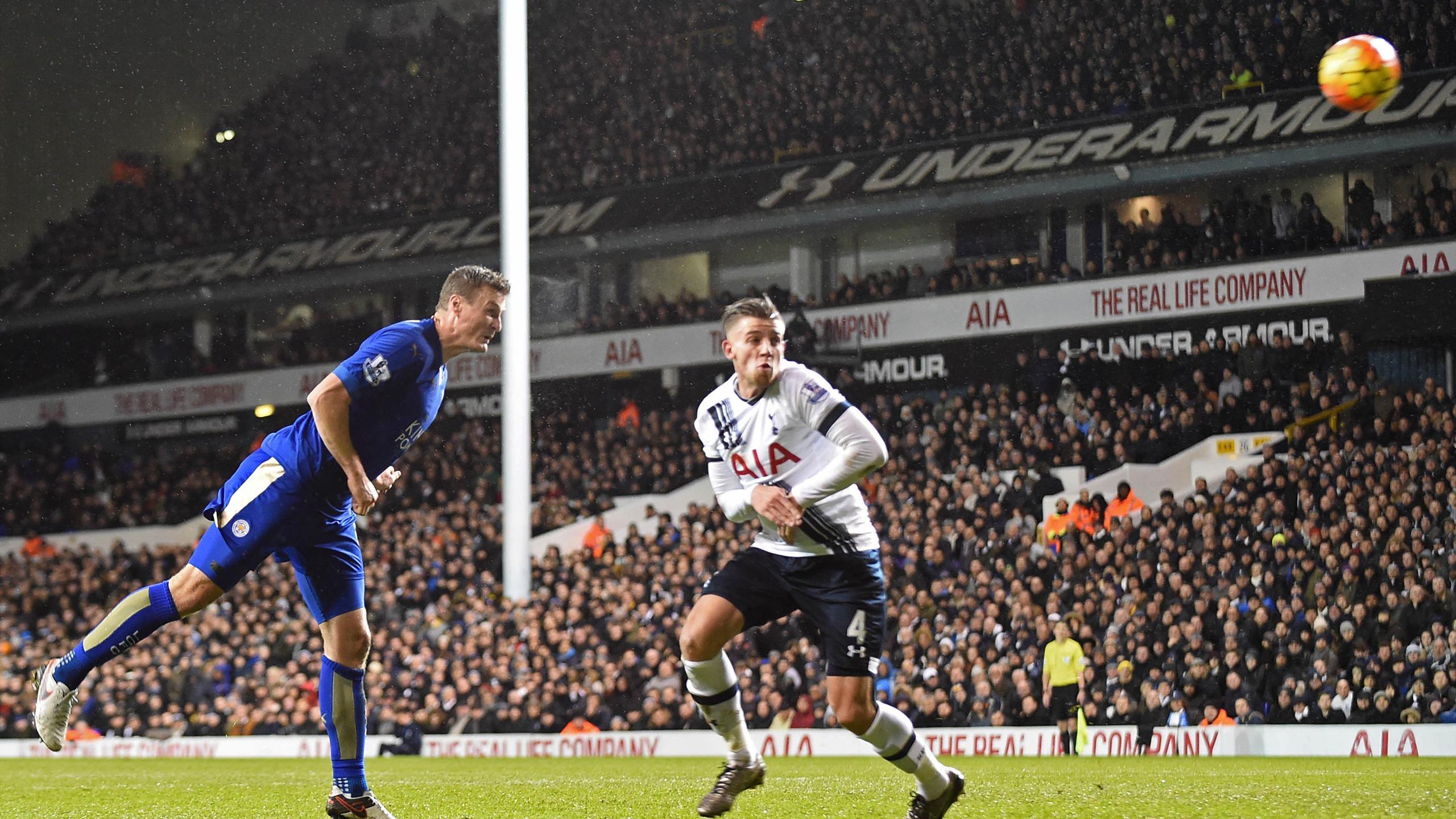 Robert Huth (Leicester) buteur contre Tottenham