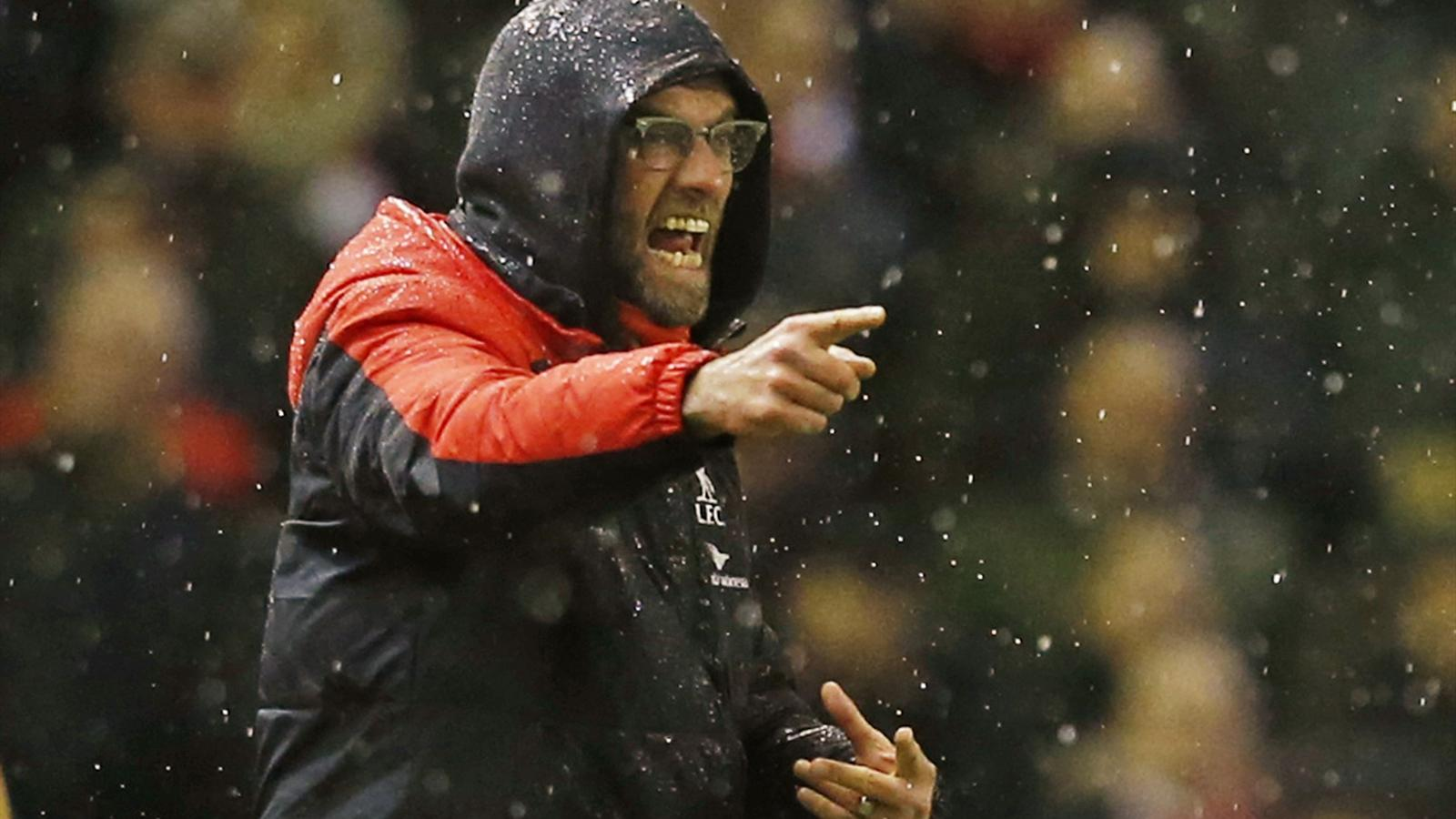 Liverpool manager Jurgen Klopp shouts during the match with Arsenal