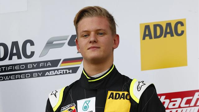 Réclamé par Mercedes, Schumi Jr a choisi de rejoindre la Scuderia Ferrari