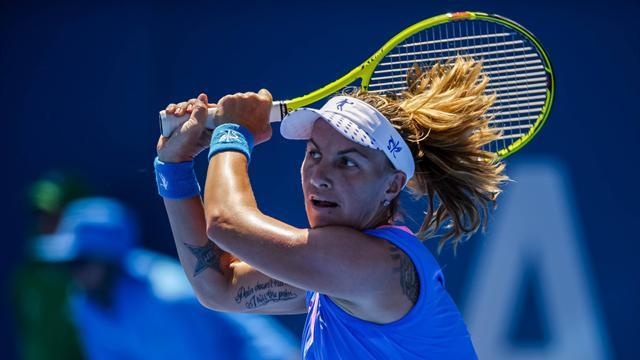 Кузнецова выиграла турнир в Сиднее