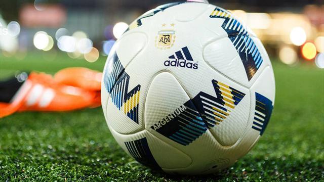 Salaires : 45% des footballeurs professionnels gagnent moins de 1000 dollars par mois