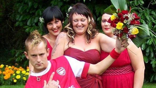 Фанат женился в форме «Арсенала»
