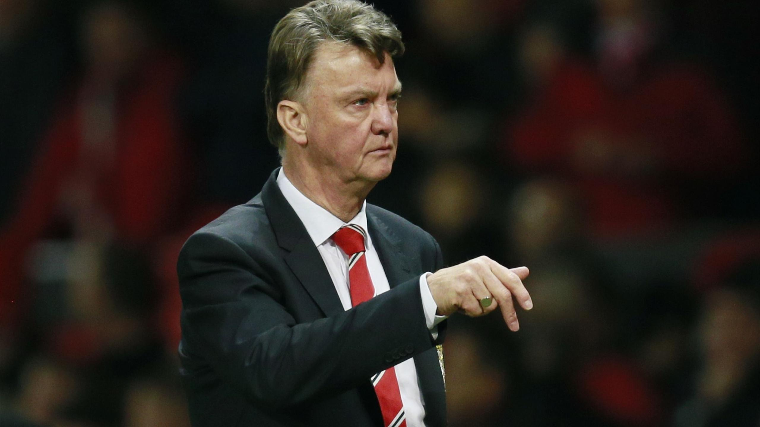 Louis Van Gaal Fights On At Manchester United Despite Job
