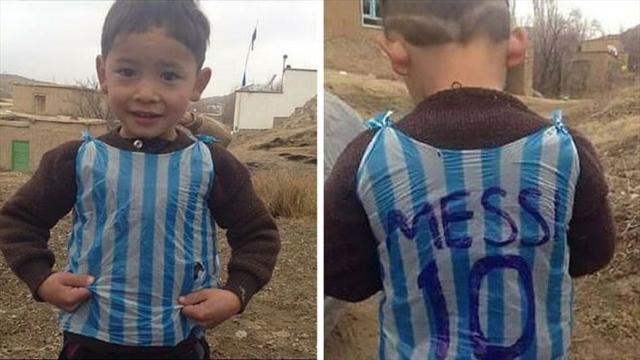 В Афганистане нашелся мальчик, сделавший футболку Месси из полиэтиленового пакета