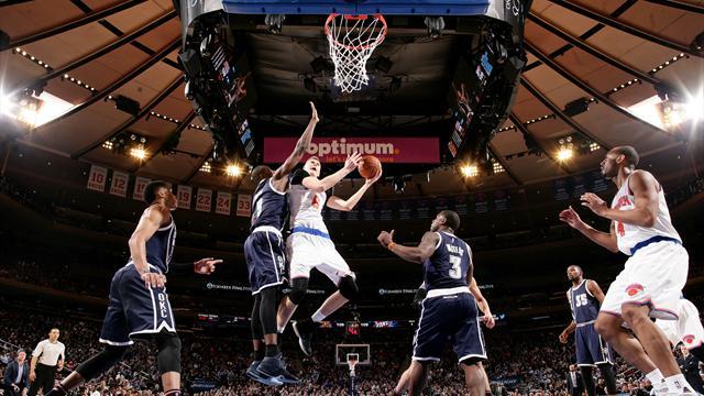 Nowitzki la joue clutch, Bosh fait du Curry et Porzingis s'envole... Le top 10 de la nuit en NBA
