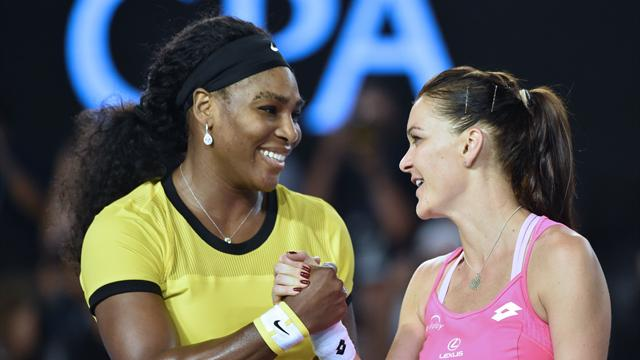 Serena a terrassé Radwanska pour s'ouvrir la route d'une 7e finale à Melbourne