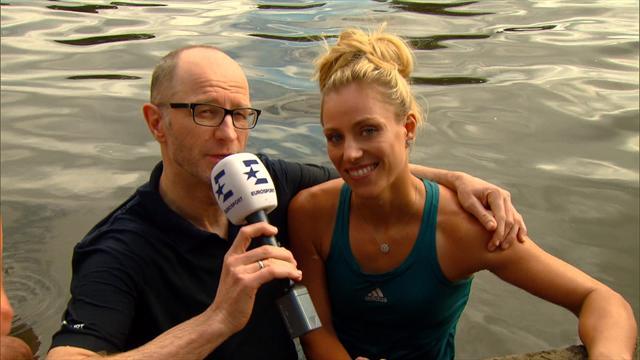 Немецкое видео, в котором победительница Australian Open снимает халат и опускается в воду