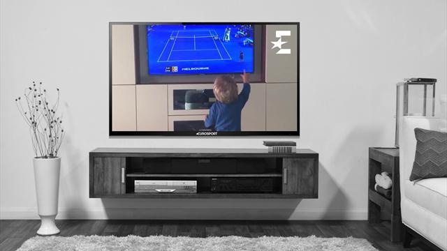 Как Джокович-младший смотрел за игрой отца в финале Australian Open