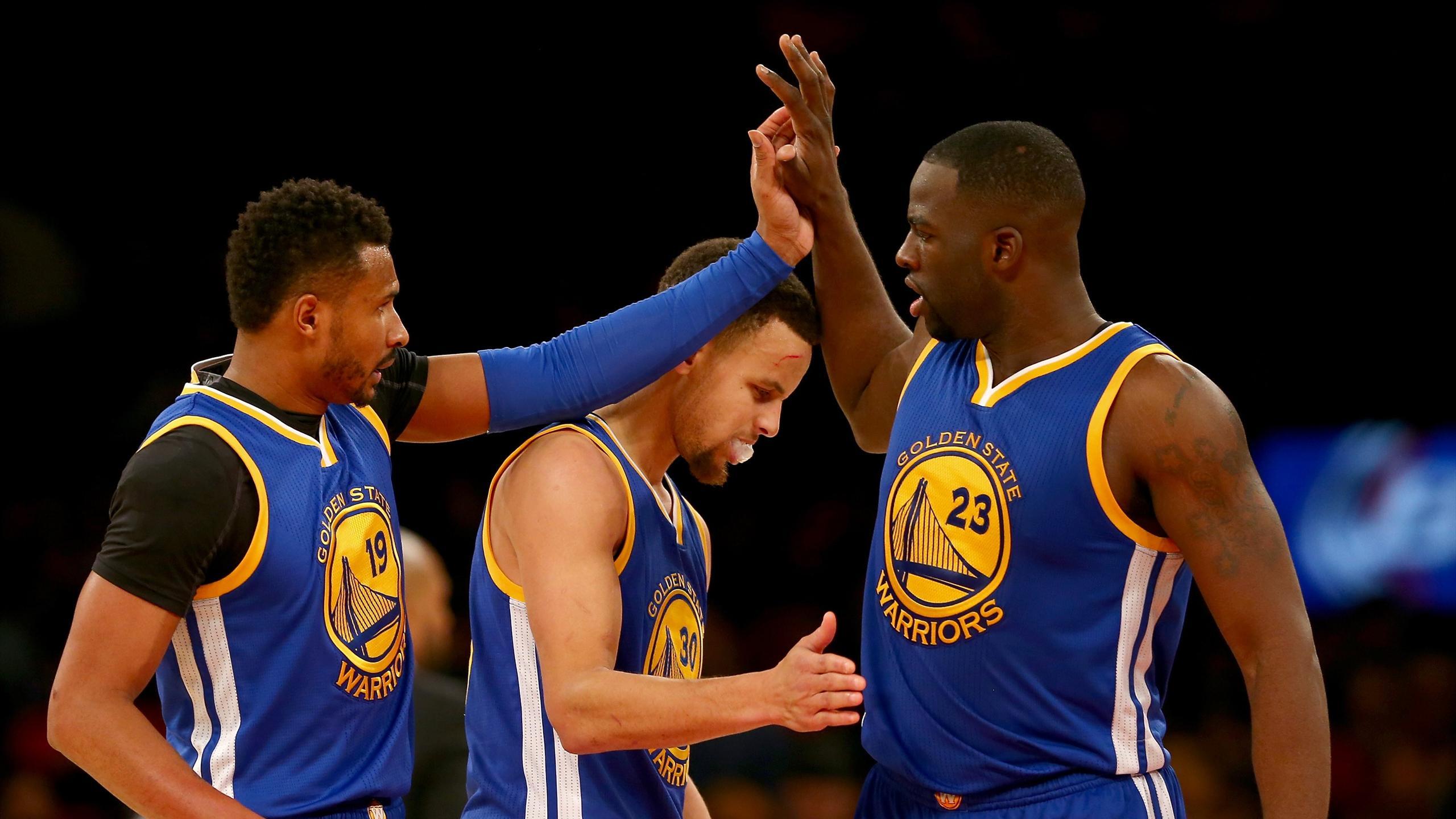 Leandro Barbosa, Stephen Curry et Draymond Green lors de New York Knicks - Golden State le 31 janvier 2016