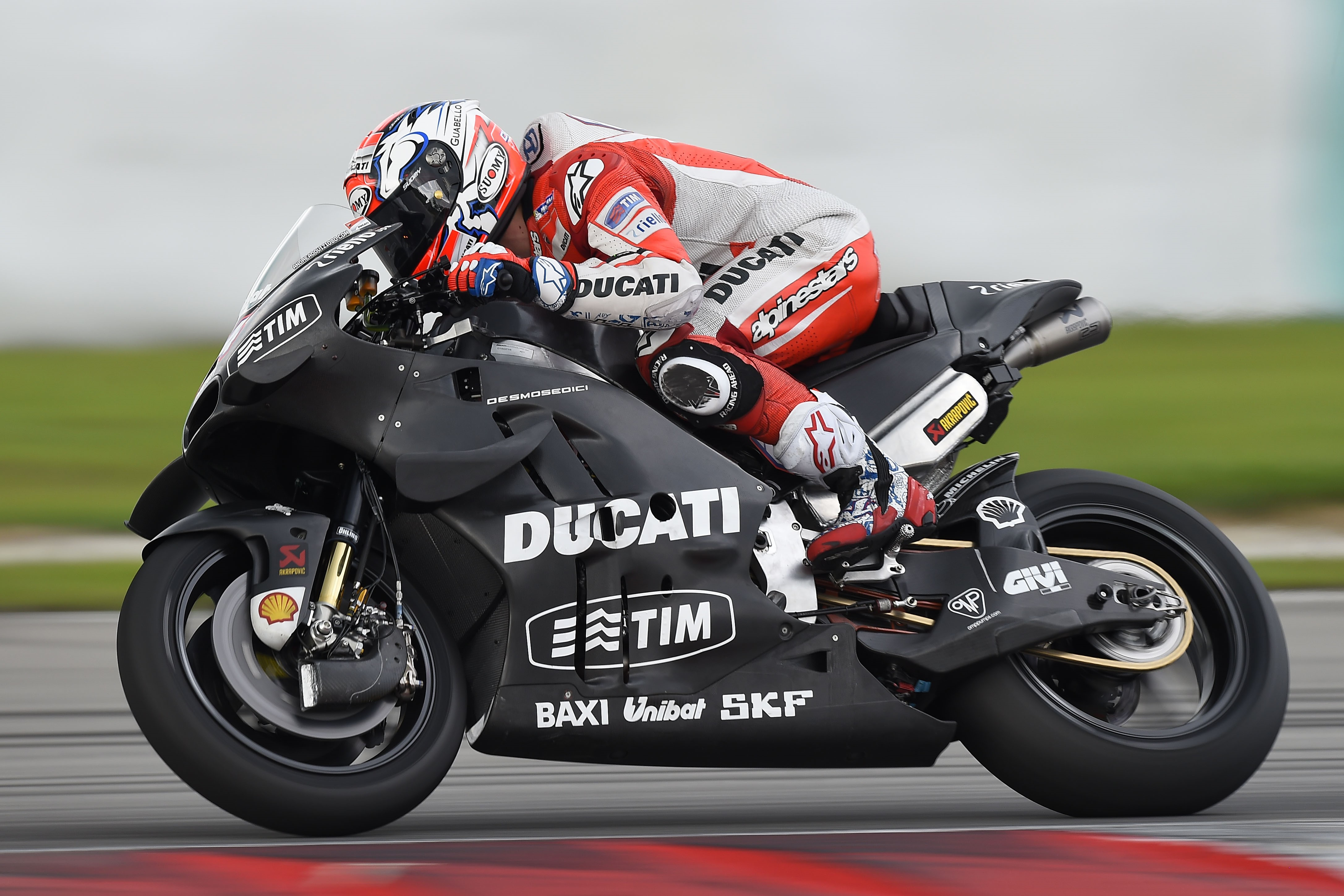 Andrea Dovizioso (Ducati Team) Jorge Lorenzo (Yamaha Factory) lors des tests de Sepang 1 2016