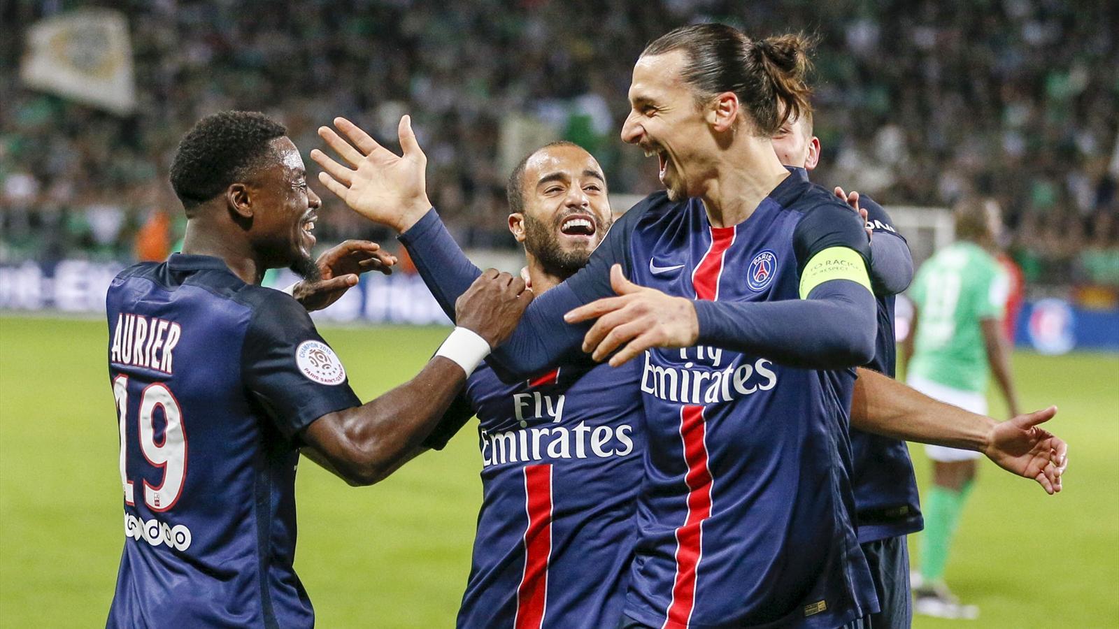 Zlatan Ibrahimovic (R) celebrates scoring for Paris St-Germain