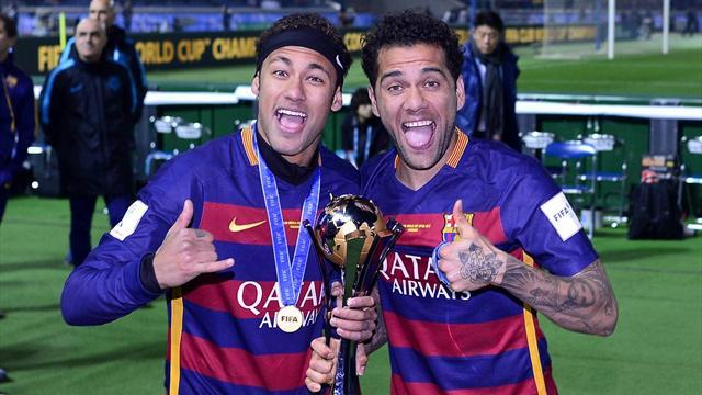 Feuilleton Neymar: Dani Alves lui demande d'être