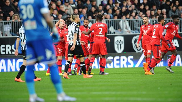 Efficace, Lyon empoche un succès précieux à Angers dans la course à l'Europe