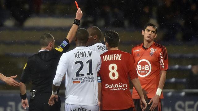 6 buts, 5 cartons rouges : triste soirée sur les pelouses de Ligue 1