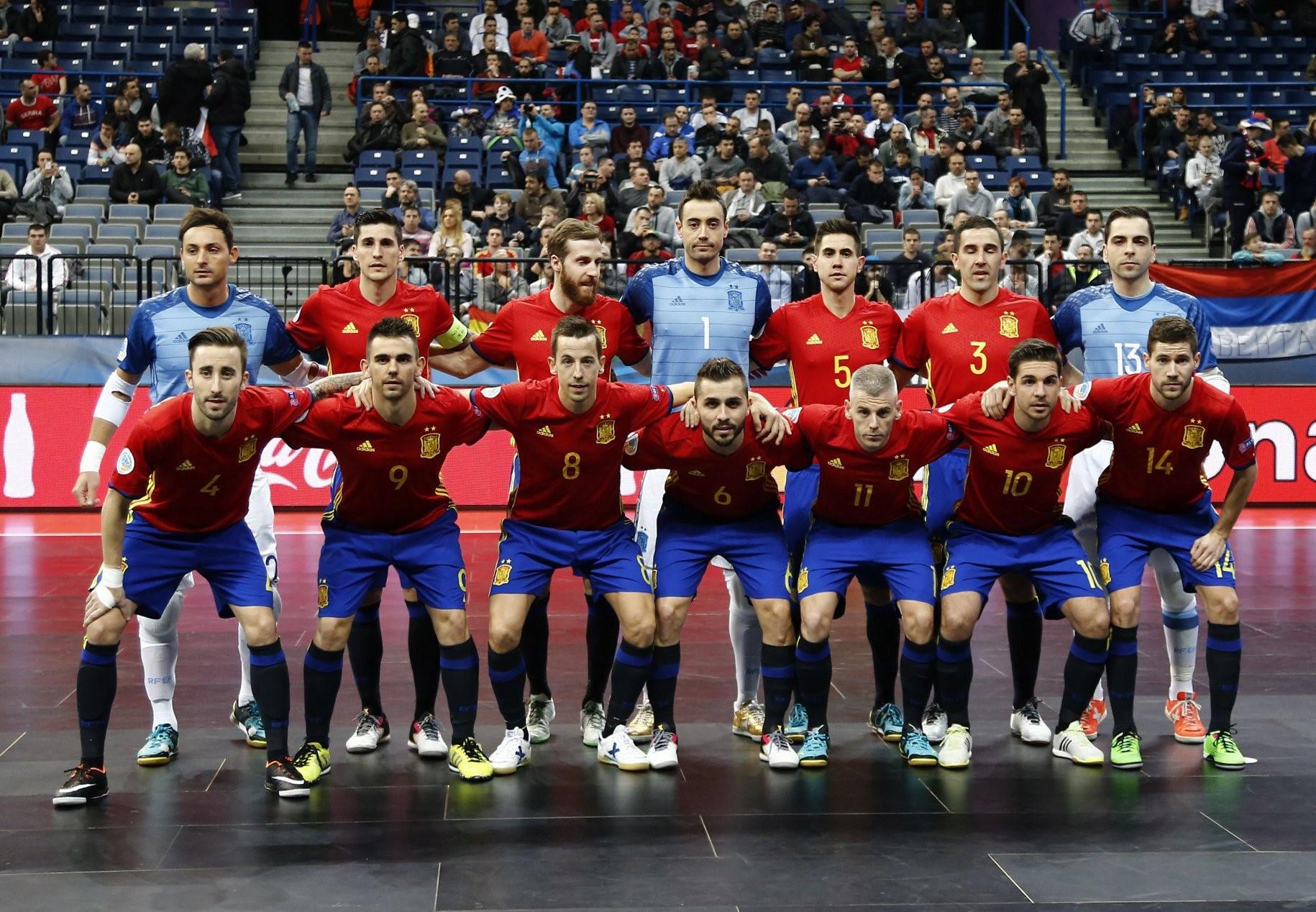 Мини- футбол на испанском языке