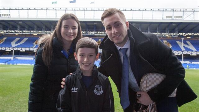 Мальчик с церебральным параличом выиграл приз за лучший гол «Эвертона» в январе