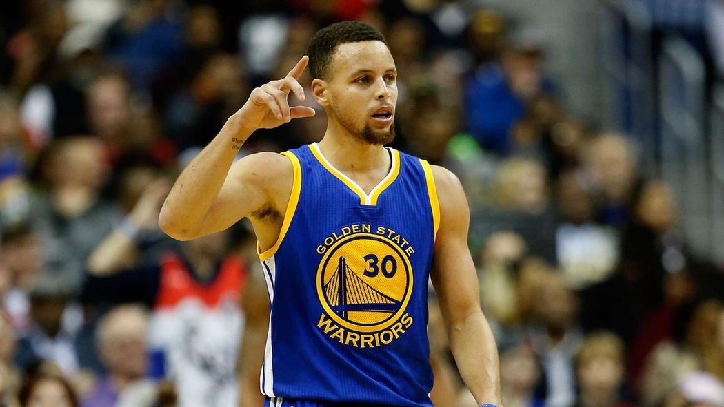 Golden State batte Phoenix e va 48-4  è il miglior record di sempre - NBA  2015-2016 - Basket - Eurosport d754f923625