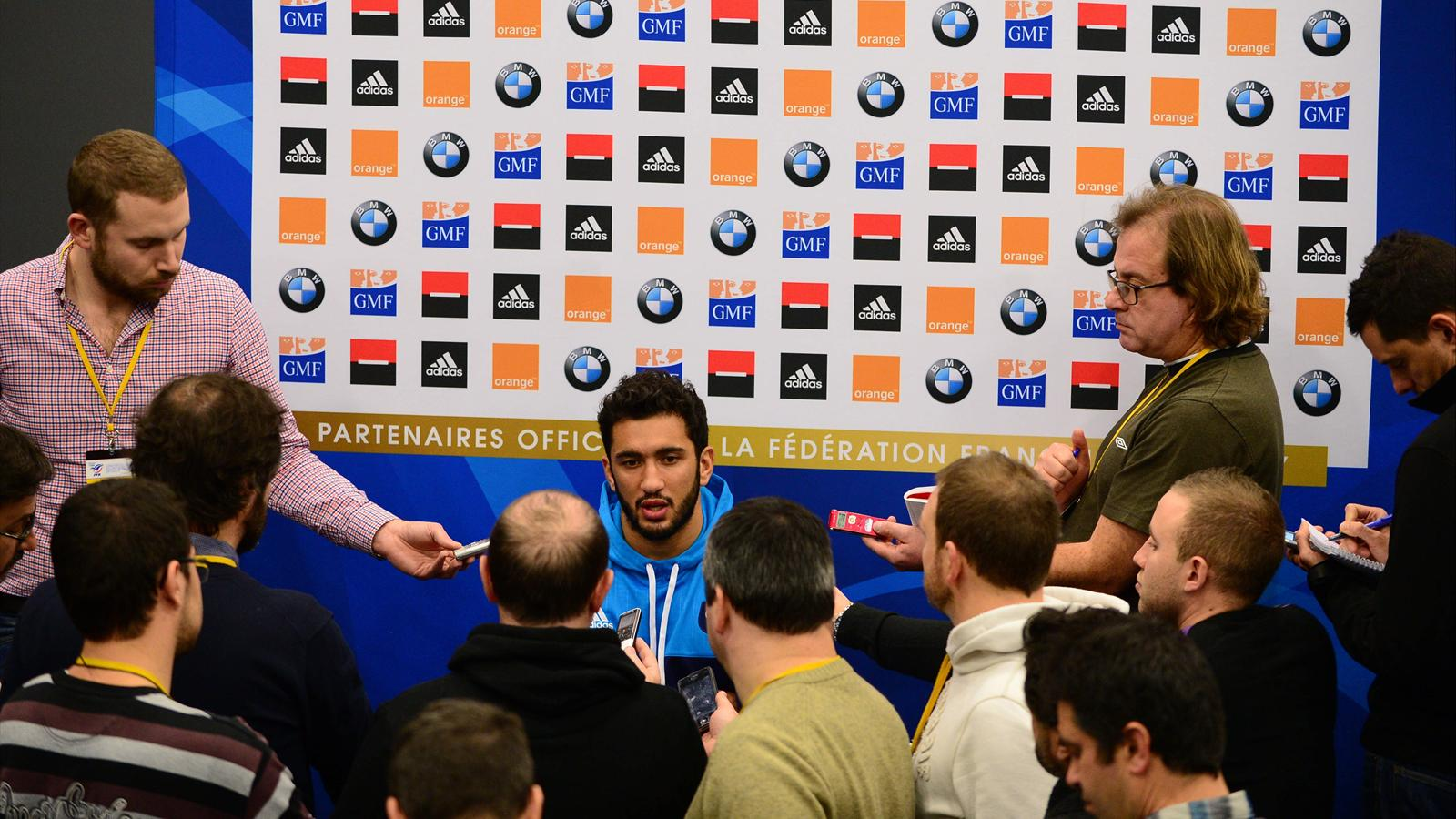 Maxime Mermoz face à la presse
