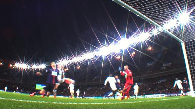 De la poitrine, Ibrahimovic a ouvert le score face à l'OL