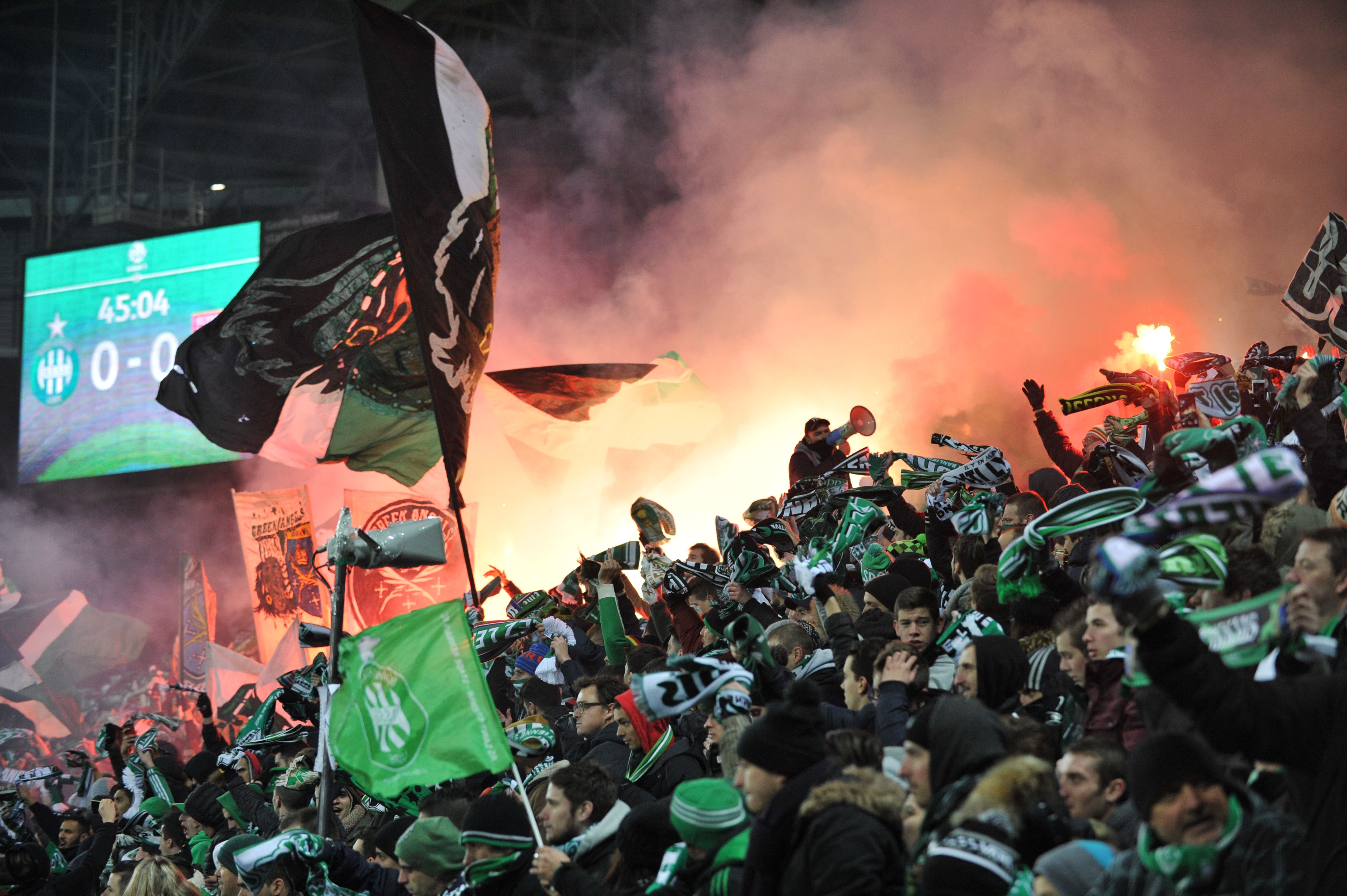 Les supporters de Saint-Etienne à Geoffroy-Guichard