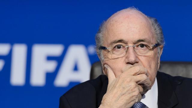 """Blatter passe le flambeau et félicite """"sincèrement"""" Infantino"""