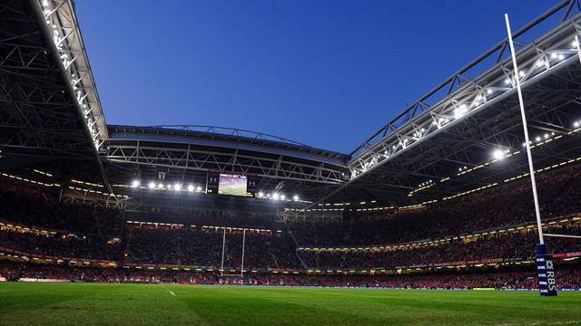 Le toit restera finalement ouvert pour Galles-France
