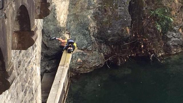 12 metreden göle düştü!