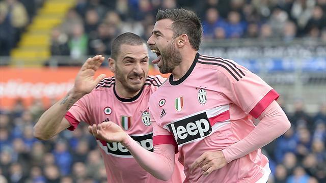 """Barzagli saluta Bonucci: """"Solo noi conosciamo la verità"""". Dani Alves: """"Liti? Basta gettare m..."""""""