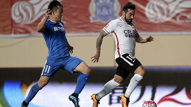 Lavezzi debutta in Cina: ha guadagnato 3.000 euro al minuto!