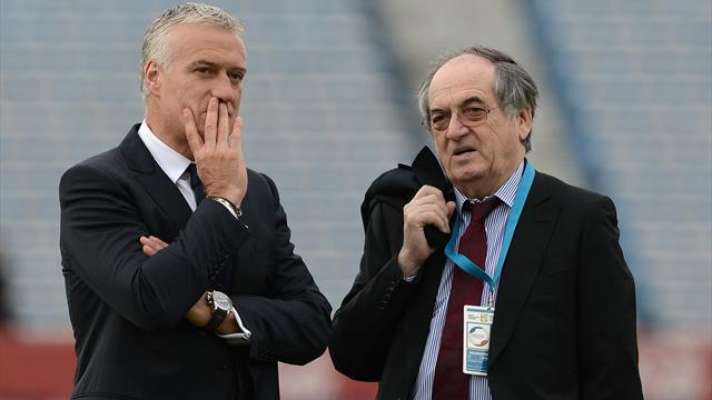 """Deschamps """"ne commente pas"""" les déclarations de Valls à propos de Benzema"""