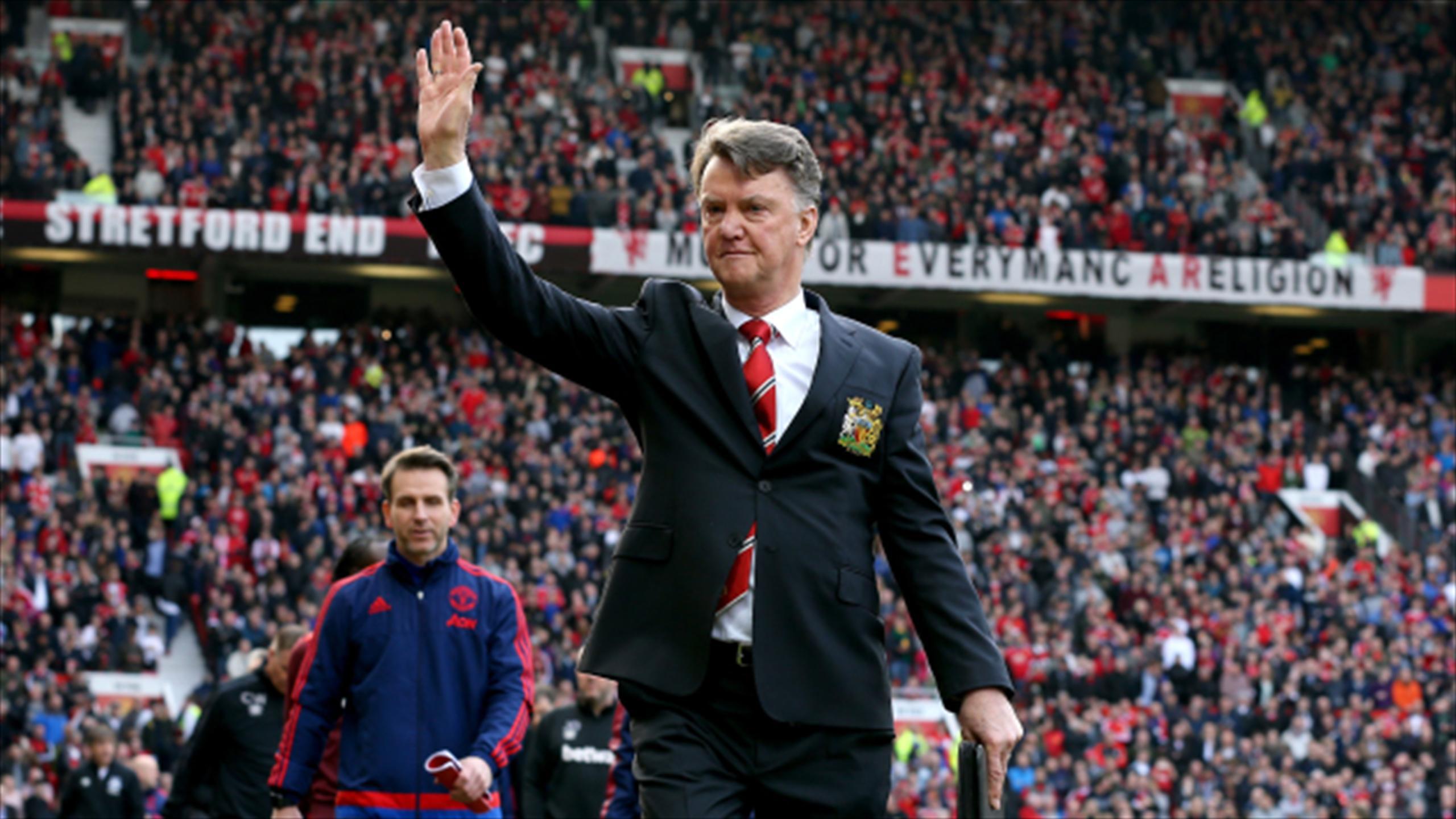 Louis Van Gaal Hails Manchester United Team Spirit After