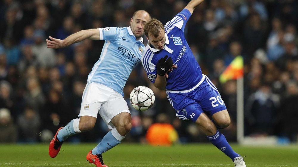 Zabaleta et Gusev lors de Manchester City-Dynamo Kiev
