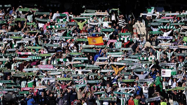 Córdoba-Girona: El torbellino inicial posibilita la ventaja blanquiverde (2-1)