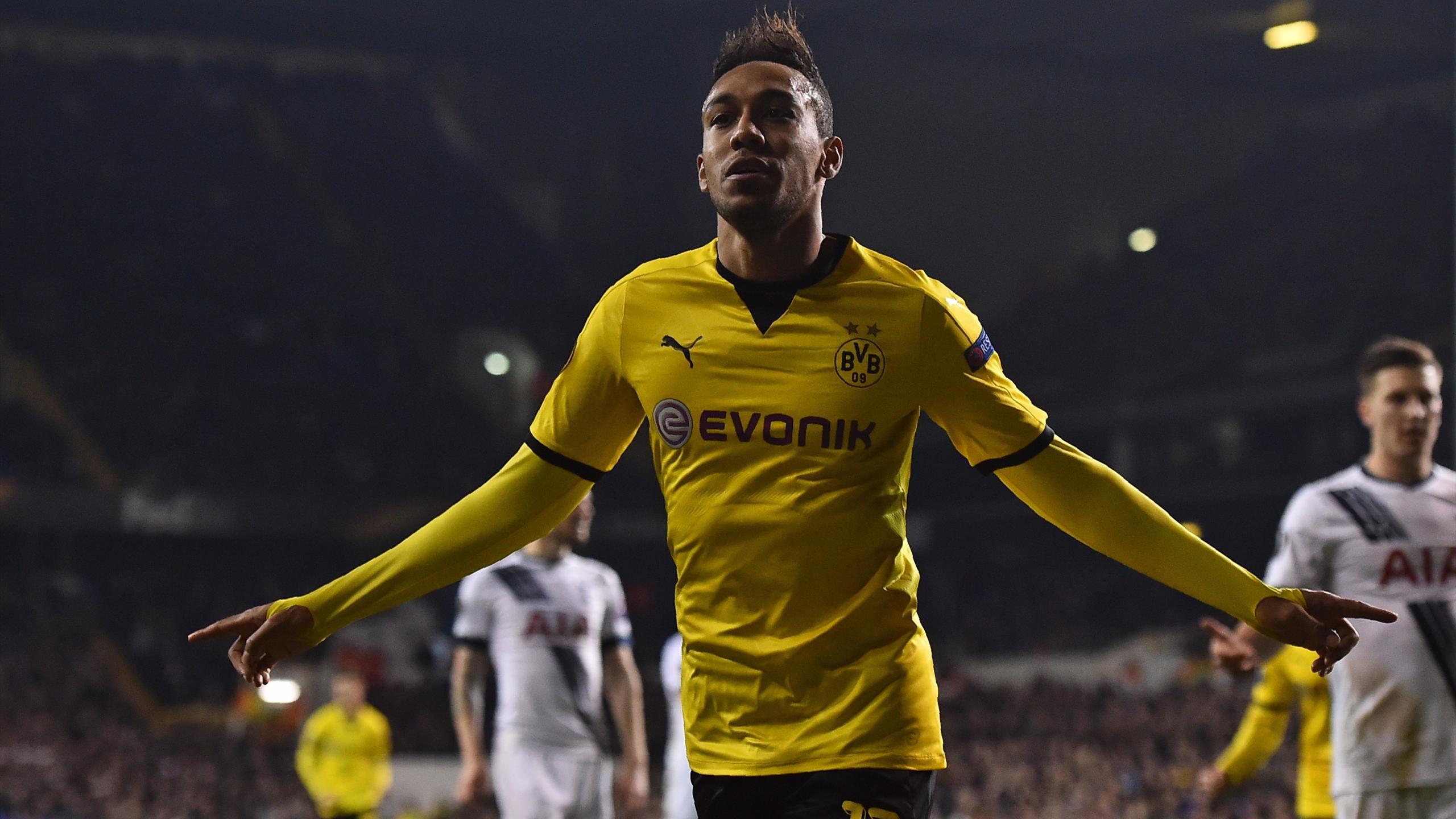 Borussia Dortmund's Gabonese striker Pierre-Emerick Aubameyang celebrates