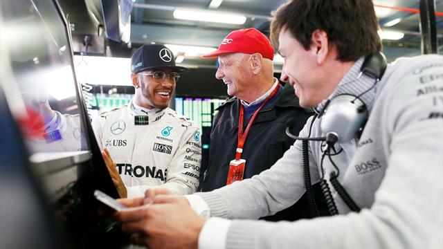 """Hamilton: """"Lauda ha detto che la Ferrari è la più forte? Non mi sembra di lavorare male"""""""