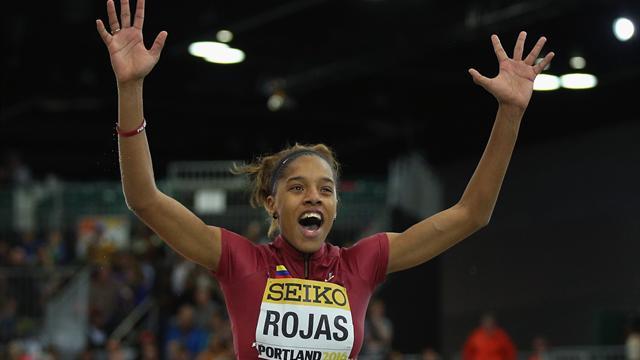 Rojas en or sur le triple saut