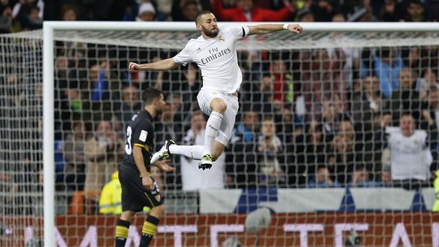 Benzema signe son retour d'une superbe demi-volée