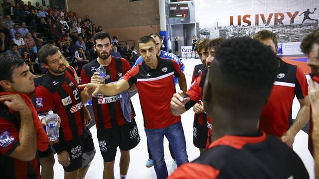 Saint-Raphaël laisse filer le PSG