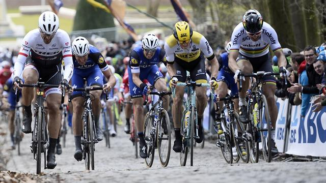 Peter Sagan vince la Gand-Wevelgem con una volata fenomenale