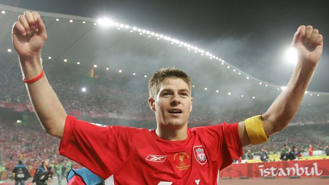 Pour débuter sa carrière d'entraîneur, Gerrard va prendre en main les U18 de Liverpool