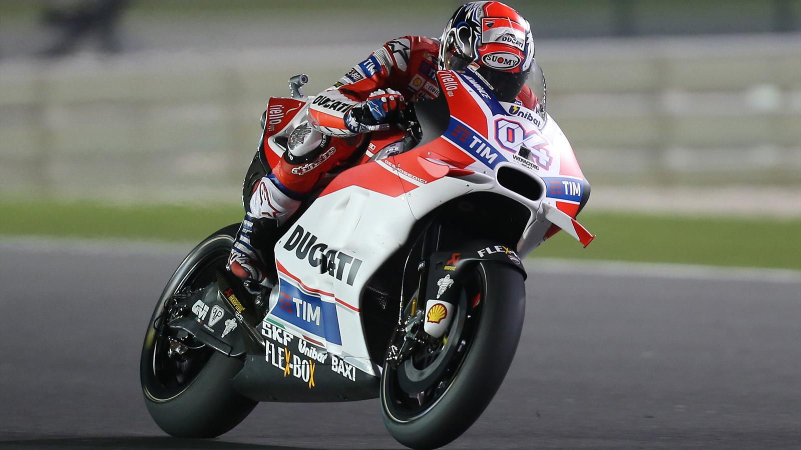 motogp andrea dovizioso ducati team le plus rapide d 39 une s ance pour du beurre grand prix. Black Bedroom Furniture Sets. Home Design Ideas